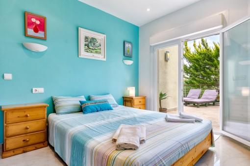 Charmantes Doppelbettzimmer mit Terrassenzugang