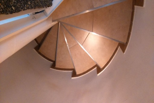 Treppenaufgang in das obere Stockwerk