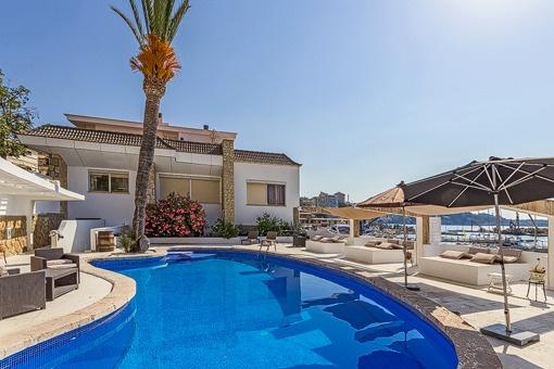 Doppelhaushälfte in erster Meereslinie mit phantastischem Blick, am Yachthafen Cala Nova