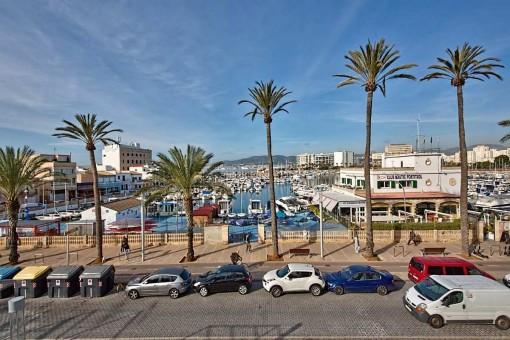 Bezaubernde 3-Zimmer Wohnung direkt am Meer in Portixol mit 2 Terrassen und einem Balkon