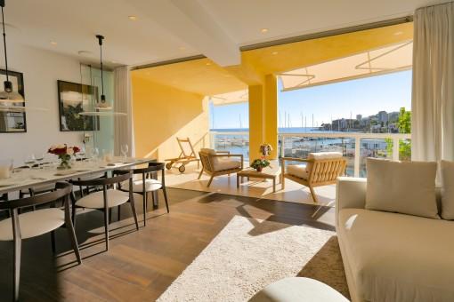 Neues Atemberaubendes Apartment mit Meerblickterrasse