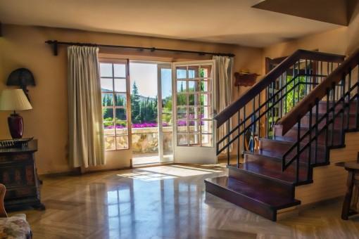 Treppenaufgang zu den Schlafzimmern