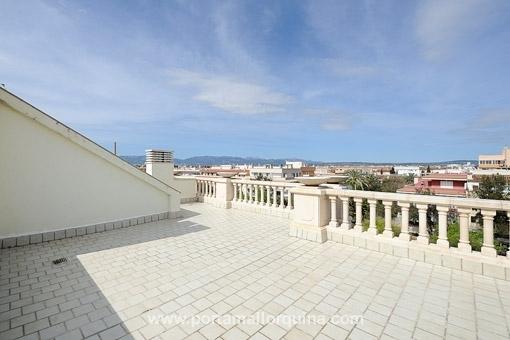 Tolle Penthauswohnung mit großer Dachterrasse in privilegierter Wohngegend in Ciudad Jardin