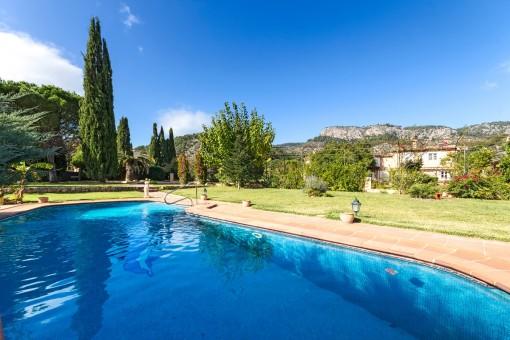 Großartige Finca in der Gegend von Esporles, mit tollem Ausblick, Pool und Gästehaus