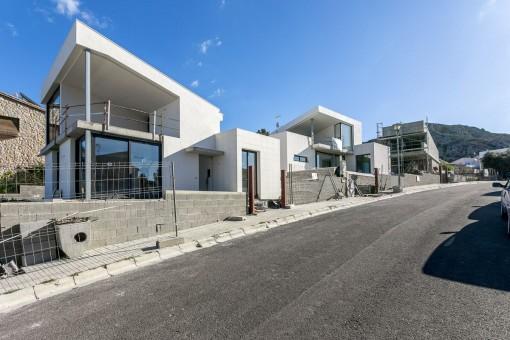 Villa im modernen Stil mit Blick über die Bucht in bester Nachbarschaft kurz vor der Fertigstellung