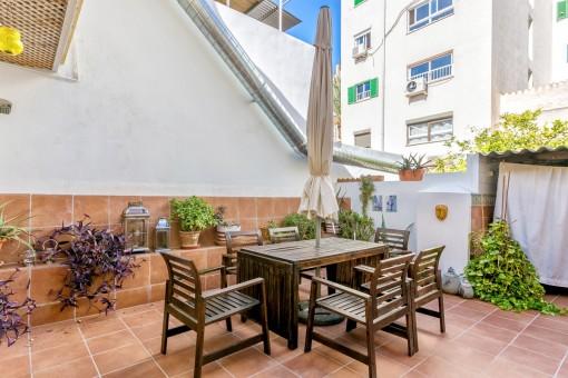 Einladende Terrase für fantastische Grillabende