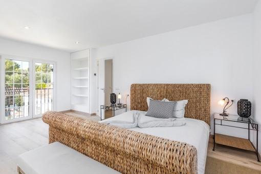 Hauptschlafzimmer in weiß