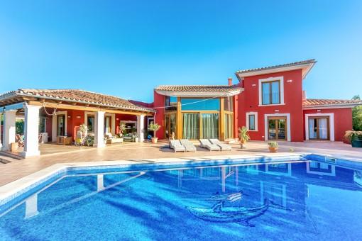 Moderne Villa mit Pool und unkonventionellem Grundriss in Sa Planera/Marratxi