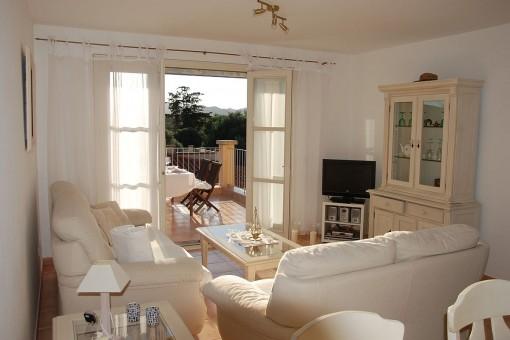 Möbliertes Apartment mit Terrasse in schöner Gemeinschaftsanlage in Cala Anguilla