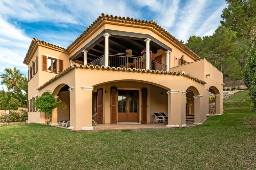 Wunderschöne, im Fincastil erbaute Villa in Santa Ponsa