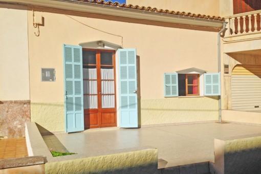 Sanierungsbedürftiges, ebenerdiges Sommerhaus in Can Picafort nur 40 Meter vom Sandstrand entfernt
