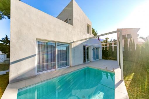 Moderne Villa in hochwertiger Bauqualität in ruhiger Wohnlage mit Pool bei Alcúdia