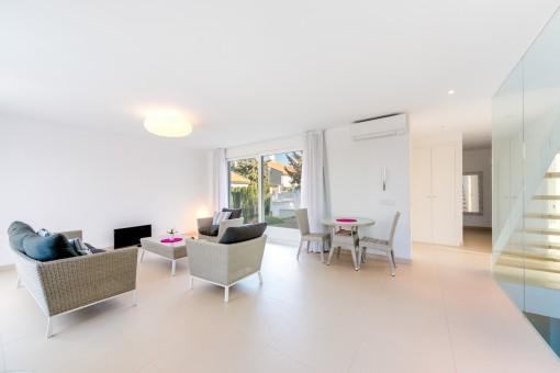 Die ganze Villa bietet ein modernes Wohnkonzept