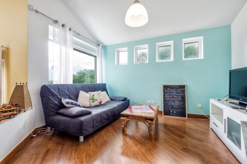 au ergew hnliche doppelhaush lfte mit einzigartiger architektur kaufen. Black Bedroom Furniture Sets. Home Design Ideas