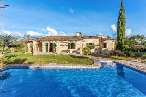Außenansicht der schönen Villa