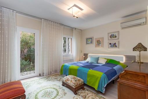 Großzügiges Doppelschlafzimmer