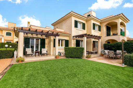 Moderne Erdgeschosswohnung mit Garten in schöner Wohnanlage