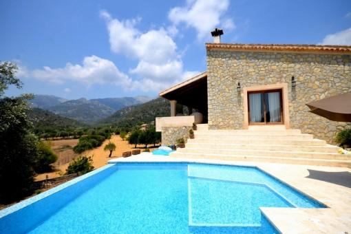 Fantastische, voll ausgestattete Finca mit Weitblick in ruhiger Lage von Mancor de la Vall, mit Pool und Garten