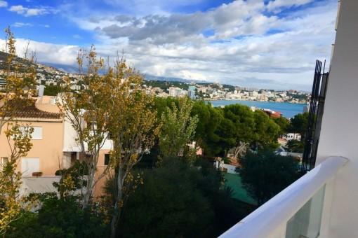 Schöne, neu renovierte Wohnung mit Meerblick in Illetes