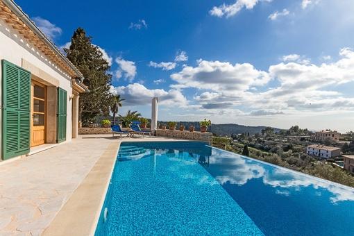 Apartment mit Pool auf renovierter mallorquinischen Finca in Galilea mit traumhaftem Meerblick