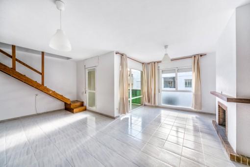 Renovierungsbedürftiges Duplex-Apartment in reiner Wohngegend nur 300 m von der Promenade entfernt