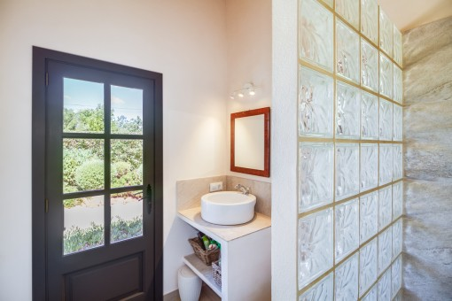 Badezimmer mit Zugang von Außen