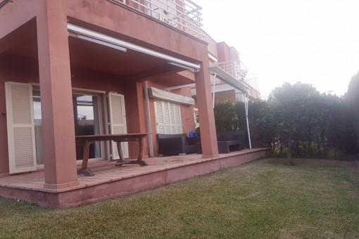 Doppelhaushälfte mit Gemeinschaftspool und Privatparkplatz in Son Verí Nou