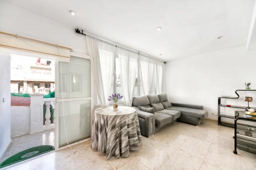 3 schlafzimmer wohnung mit kleinem garten in toller lage. Black Bedroom Furniture Sets. Home Design Ideas