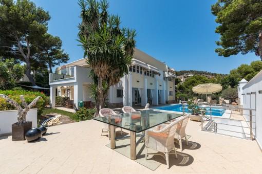 Fantastische Villa mit Meerblick bis auf die Bucht von Palmanova
