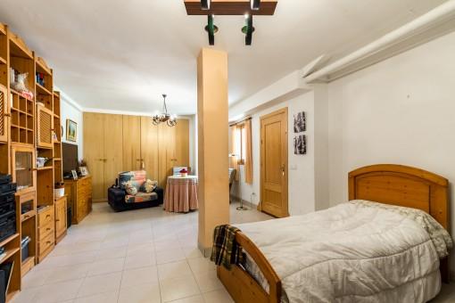 Großzügiges Doppelschlafzimmer im Erdgeschoss