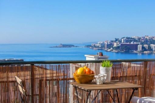 Traumhafte Wohnung mit einem fantastischen Meerblick in Cala Major