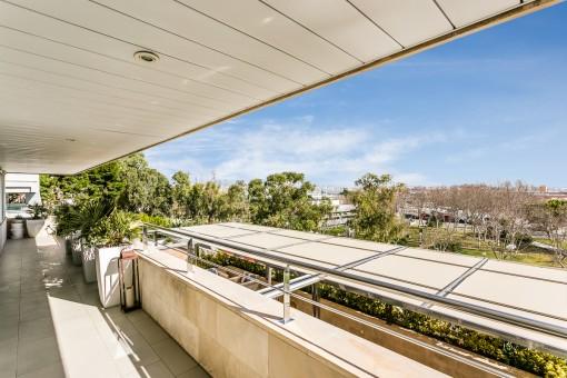 Überdachte, 20 qm große Terrasse