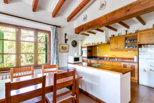 Essbereich neben der offenen Küche