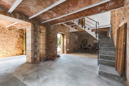 Weiteres Gebäude mit viel Platz für den Wohn-und Essbereich