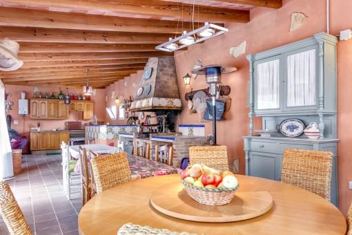 Küche im Poolhaus