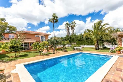 Ruhig gelegene Villa auf 2 Etagen in dem sehr schönen Villenviertel Es Garrovers