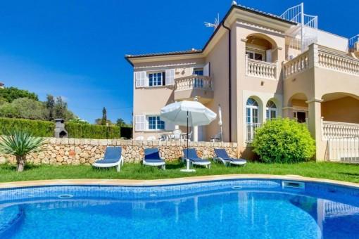 Zwei Doppelhaushälften mit fantastischem Meerblick und Vermietlizenz in Tolleric