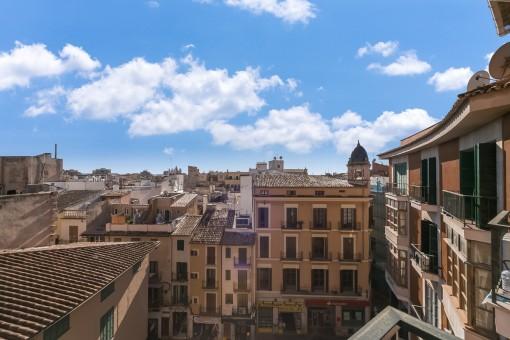 Beeindruckender Blick von der anderen Seite über die Altstadt