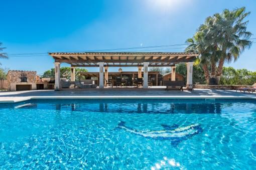 Beeindruckende, renovierte Finca mit Gästehaus in Campos