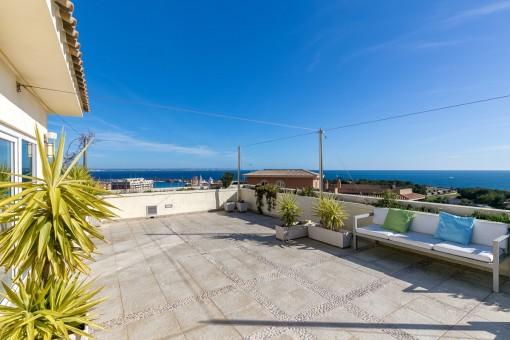 Exklusive Penthaus-Maisonette-Wohnung mit Traumblick auf den Hafen und die Bucht von Palma