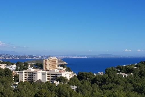 Villa mit vielen Gestaltungsmöglichkeiten und Panoramablick in Cala Vinyas