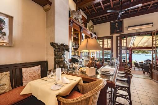 Das Restaurant wird mit Ausstattung und Geräte übergeben