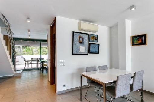 Modernes duplex nur wenigen gehminuten vom stadtzentrum for Design wohnung koblenz