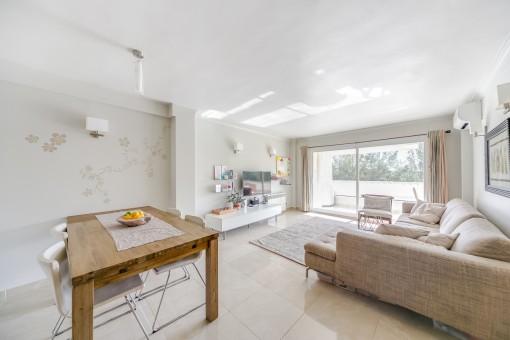 Hübsche, geräumige und renoviert Wohnung in San Augustin
