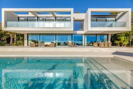 Moderne, luxuriöse Neubau-Villa mit Meerblick in Ca's Catalá