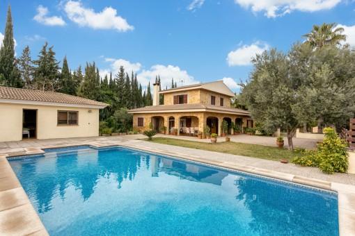 Villa in Urbanisation bei Pollensa mit Pool und Ferienfermietlizenz ...
