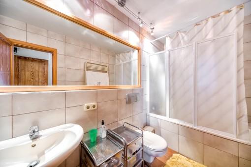 Die Villa bietet 7 Badezimmer