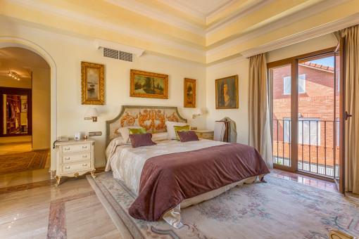 Hauptschlafzimmer mit Ankleide