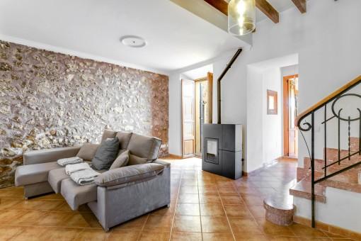 Mallorquinischer Wohnbereich mit Sofa