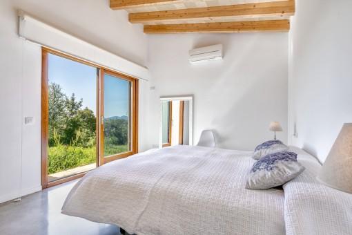 Zugang zum Garten aus diesem Schlafzimmer
